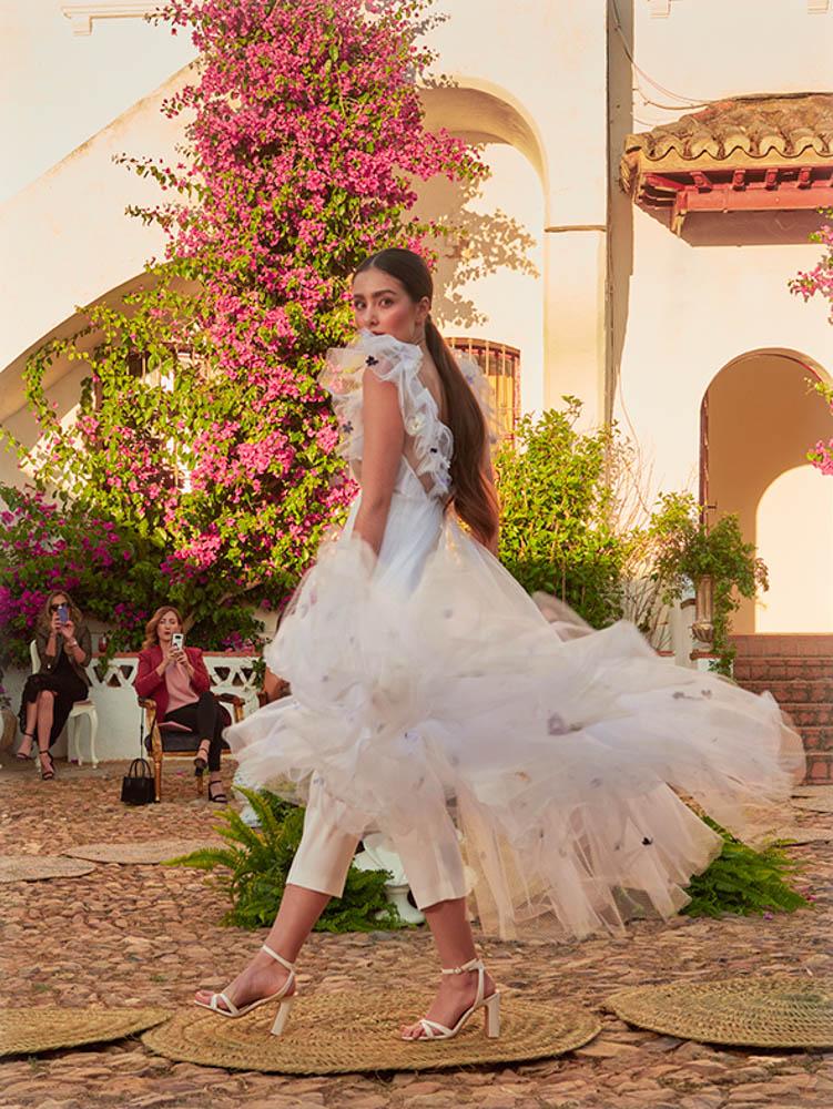desfile de vestidos de novia Extremadura elegante lujo exclusivo